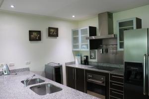 Apartamento En Alquileren Santa Ana, Santa Ana, Costa Rica, CR RAH: 20-55