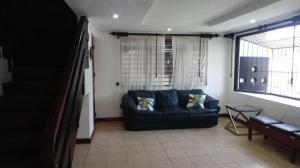 Apartamento En Alquileren Pinares, Curridabat, Costa Rica, CR RAH: 20-62