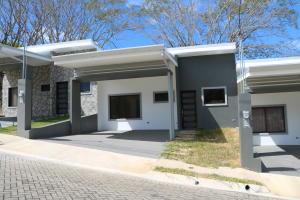 Casa En Ventaen Turrucares, Alajuela, Costa Rica, CR RAH: 20-85