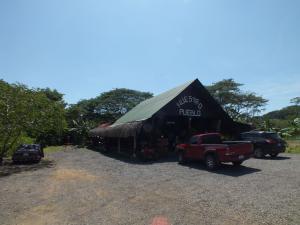 Local Comercial En Ventaen Jaco, Garabito, Costa Rica, CR RAH: 20-100