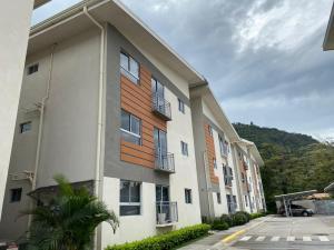 Apartamento En Alquileren Rio Oro, San Jose, Costa Rica, CR RAH: 20-112