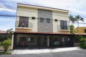 Apartamento En Alquileren Pavas, San Jose, Costa Rica, CR RAH: 20-113