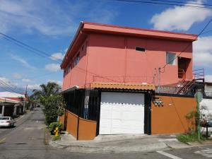 Apartamento En Alquileren Tres Rios, La Union, Costa Rica, CR RAH: 20-186