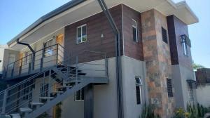 Apartamento En Alquileren Pozos, Santa Ana, Costa Rica, CR RAH: 20-202
