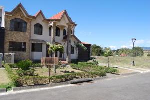 Casa En Ventaen Cartago Centro, Paraiso, Costa Rica, CR RAH: 20-211
