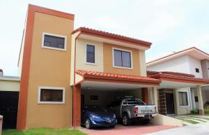 Casa En Ventaen Santo Domingo, Santo Domingo, Costa Rica, CR RAH: 20-225