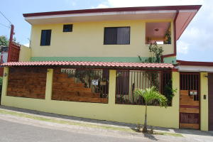 Casa En Ventaen Guadalupe, Goicoechea, Costa Rica, CR RAH: 20-229