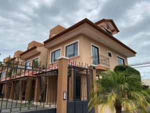 Casa En Alquileren Guadalupe, Goicoechea, Costa Rica, CR RAH: 20-287
