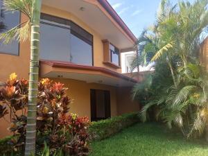 Casa En Ventaen La Uruca, San Jose, Costa Rica, CR RAH: 20-295
