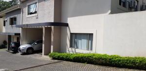 Casa En Ventaen Pinares, Curridabat, Costa Rica, CR RAH: 20-326