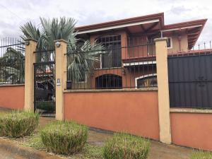 Casa En Ventaen San Isidro, San Isidro, Costa Rica, CR RAH: 20-353