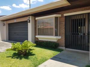 Casa En Alquileren Alajuela Centro, Alajuela, Costa Rica, CR RAH: 20-375