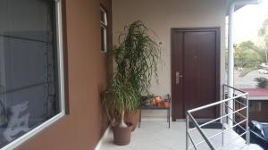Apartamento En Alquileren Pozos, Santa Ana, Costa Rica, CR RAH: 20-138