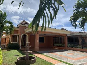 Casa En Ventaen San Joaquin De Flores De Heredia, Heredia, Costa Rica, CR RAH: 20-438