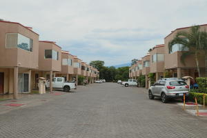 Casa En Ventaen Rio Oro, Santa Ana, Costa Rica, CR RAH: 20-453