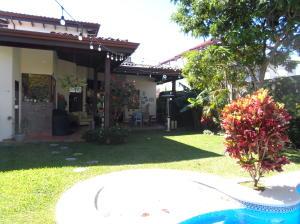 Casa En Alquileren Santo Domingo, Santo Domingo, Costa Rica, CR RAH: 20-491