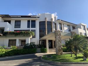 Apartamento En Ventaen Santa Ana, Santa Ana, Costa Rica, CR RAH: 20-529