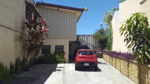 Apartamento En Alquileren Curridabat, Curridabat, Costa Rica, CR RAH: 20-503
