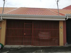 Casa En Ventaen Mercedes Sur, Heredia, Costa Rica, CR RAH: 20-1156