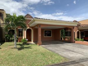 Casa En Ventaen San Joaquin De Flores De Heredia, Heredia, Costa Rica, CR RAH: 20-534