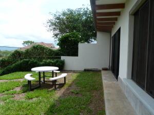 Casa En Ventaen La Guacima, Alajuela, Costa Rica, CR RAH: 20-539