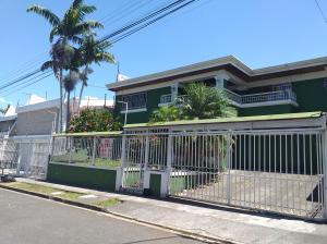 Casa En Alquileren Sabana, San Jose, Costa Rica, CR RAH: 20-547