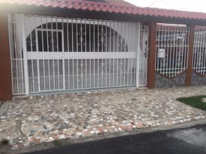 Casa En Ventaen Guadalupe, Goicoechea, Costa Rica, CR RAH: 20-558