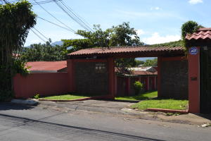 Terreno En Ventaen Pozos, Santa Ana, Costa Rica, CR RAH: 20-567