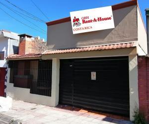Casa En Ventaen Guadalupe, Goicoechea, Costa Rica, CR RAH: 20-597