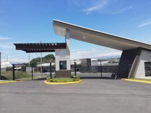 Terreno En Ventaen San Rafael De Alajuela, San Rafael De Alajuela, Costa Rica, CR RAH: 20-608