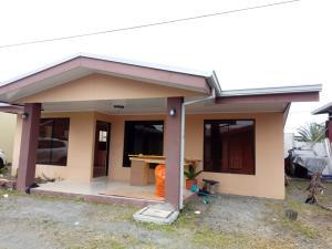 Casa En Alquileren Guapiles, Pococi, Costa Rica, CR RAH: 20-655