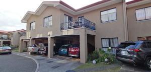 Apartamento En Ventaen Vc San Isidro, Vazquez De Coronado, Costa Rica, CR RAH: 20-507