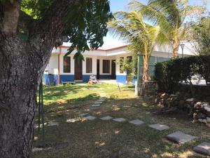Apartamento En Alquileren Turrucares, Alajuela, Costa Rica, CR RAH: 20-702