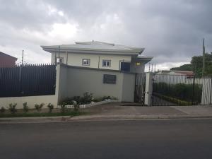Apartamento En Ventaen San Antonio, Escazu, Costa Rica, CR RAH: 20-721