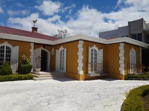 Casa En Ventaen San Rafael Escazu, Escazu, Costa Rica, CR RAH: 20-739