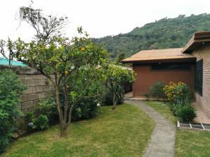 Casa En Alquileren Santa Ana, San Jose, Costa Rica, CR RAH: 20-752
