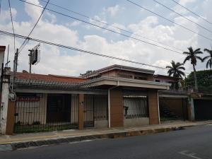Local Comercial En Ventaen Alajuela Centro, Alajuela, Costa Rica, CR RAH: 20-757