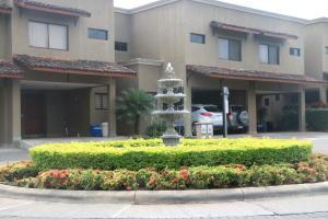Casa En Ventaen Pozos, Santa Ana, Costa Rica, CR RAH: 20-793