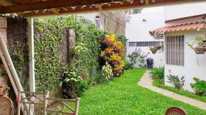 Casa En Ventaen San Pedro, Montes De Oca, Costa Rica, CR RAH: 20-847