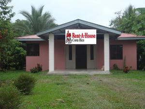 Casa En Ventaen Guapiles, Pococi, Costa Rica, CR RAH: 20-903