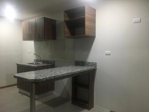 Apartamento En Alquileren Escazu, Escazu, Costa Rica, CR RAH: 20-929