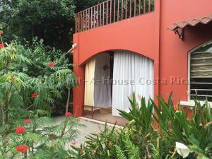 Casa En Ventaen San Antonio, Escazu, Costa Rica, CR RAH: 20-946