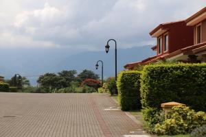 Casa En Ventaen San Rafael De Alajuela, San Rafael De Alajuela, Costa Rica, CR RAH: 20-980