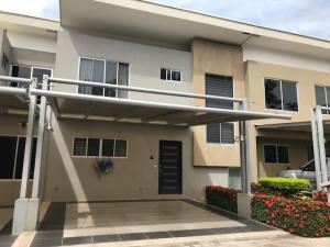 Casa En Ventaen Pozos, Santa Ana, Costa Rica, CR RAH: 20-981