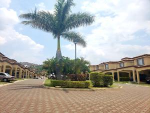Casa En Ventaen Escazu, Escazu, Costa Rica, CR RAH: 20-1037