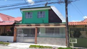 Casa En Ventaen Guadalupe, Goicoechea, Costa Rica, CR RAH: 20-1044