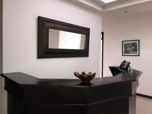 Oficina En Alquileren Santa Ana, Santa Ana, Costa Rica, CR RAH: 20-1073