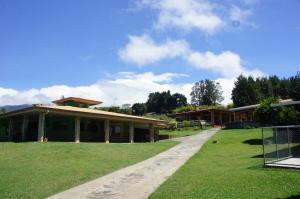 Casa En Ventaen San Rafael De Heredia, San Rafael, Costa Rica, CR RAH: 20-1126