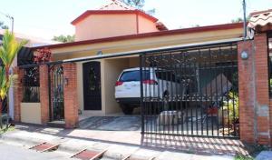 Casa En Ventaen Tres Rios, La Union, Costa Rica, CR RAH: 20-1219