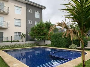 Apartamento En Alquileren Alajuela, Alajuela, Costa Rica, CR RAH: 20-1246